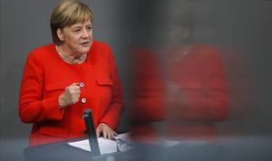 Merkel prepara una llei per dificultar la prohibició del dièsel a Alemanya