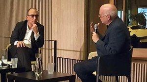 Richard Sennett (derecha) hablacon Carles Muro en el Recinte Modernista de Sant Pau.