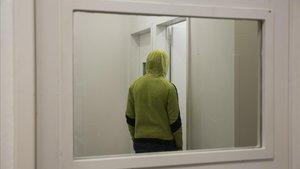 Un mena en un centro de justicia juvenil, en una foto de archivo.