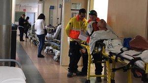 Els infermers denuncien el tancament de 12.700 llits d'hospitals aquest estiu