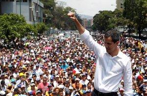 """Guaidó manté el duel i demana prendre els carrers """"fins a aconseguir la llibertat"""""""