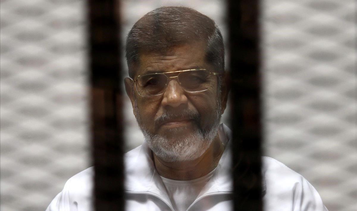 L'expresident egipci Mursi és enterrat en una cerimònia discreta al Caire