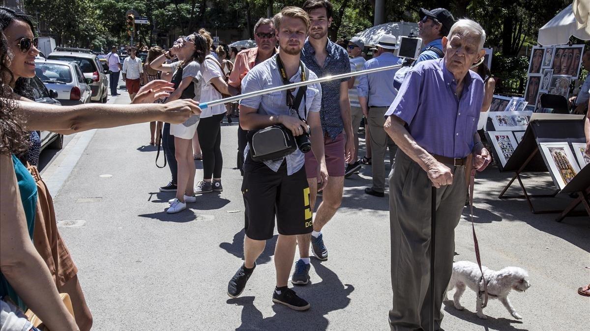 L'esperpent turístic barceloní arriba a la meca del fotoperiodisme