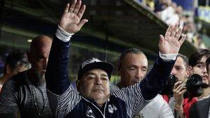 Maradona, en el banquillo del Gimnasia y Esgrima de La Plata, en un partido de marzo pasado.
