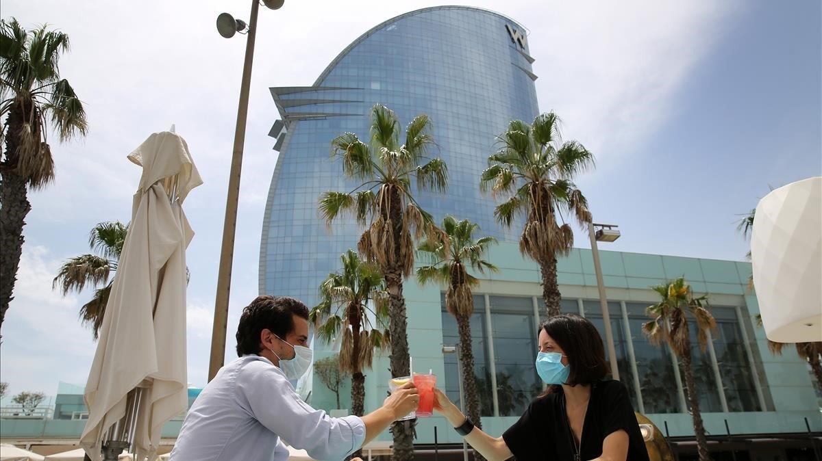 El Hotel Vela de Bacelona, reabierto este jueves al público.