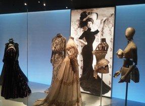 Una imagende la exposición 'El cos vestit'.