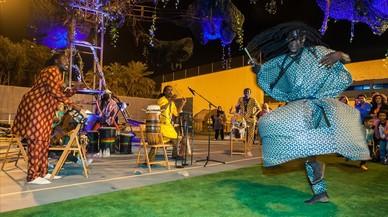 Danza tradicional africana en el parque de la Trinitat.