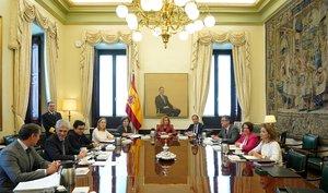 Primera reunión de la Mesa del Congreso, presidida por Meritxell Batet.