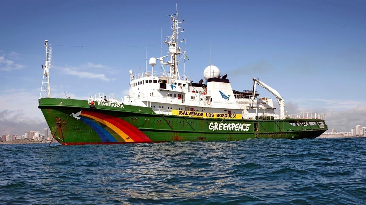 El bacco Esperanza de Greenpeace.
