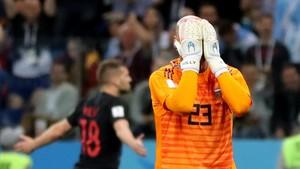 Caballero se lamenta del error que ha costado el gol de Croacia.