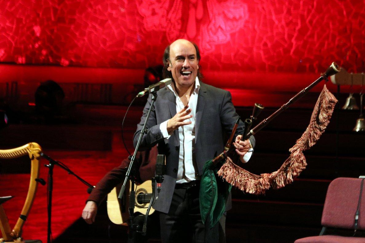 Carlos Núñez, durante su conciertoen el Palau de la Música, este domingo.