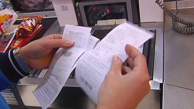 Carrefour apuesta por acabar con los tickets en papel y sustituirlos por recibos en el móvil.