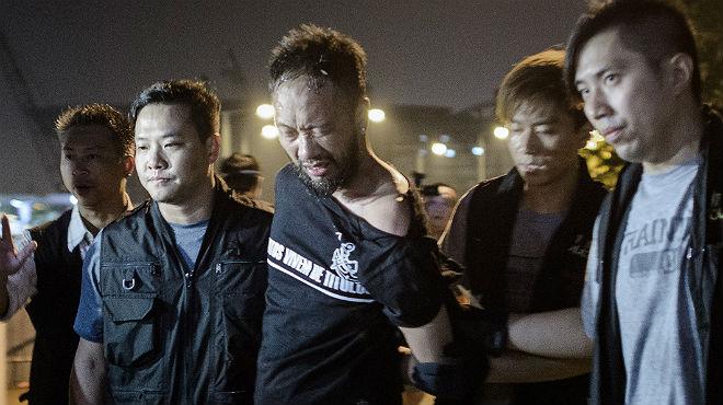 La càrrega policial contra manifestants pacífics que ha irritat Hong Kong