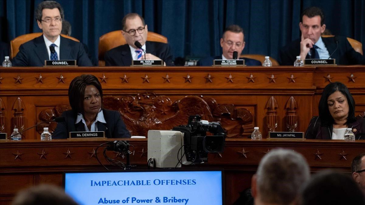 El comité judicial de la Cámara de Representantes de EEUU, este miércoles, en la primera sesión sobre el 'impeachment'.