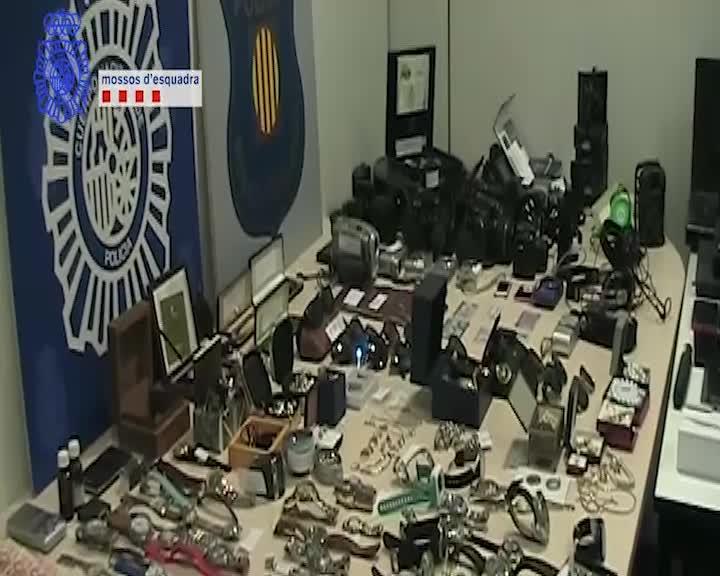 Han sido detenidas un total de 17personas relacionadas con los asaltos y un recaptador.