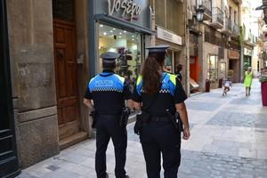 Dos agentes de la Policía Local de Reus.