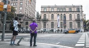 Edificio del Palau Robert, en el cruce del paseo de Gràcia con la Diagonal.