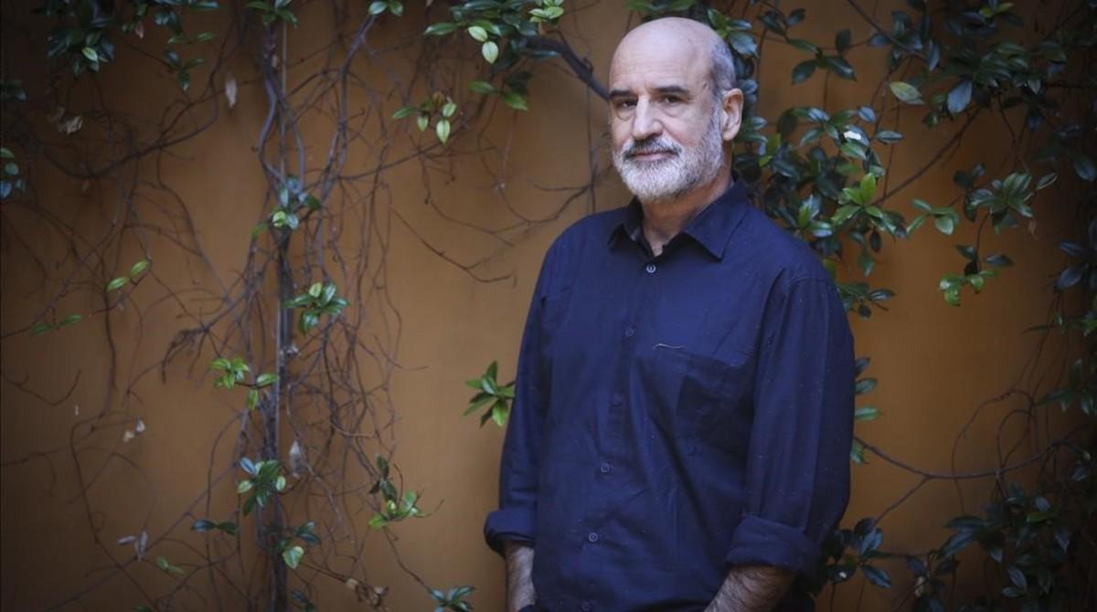 El escritor Fernando Aramburu, en Barcelona.