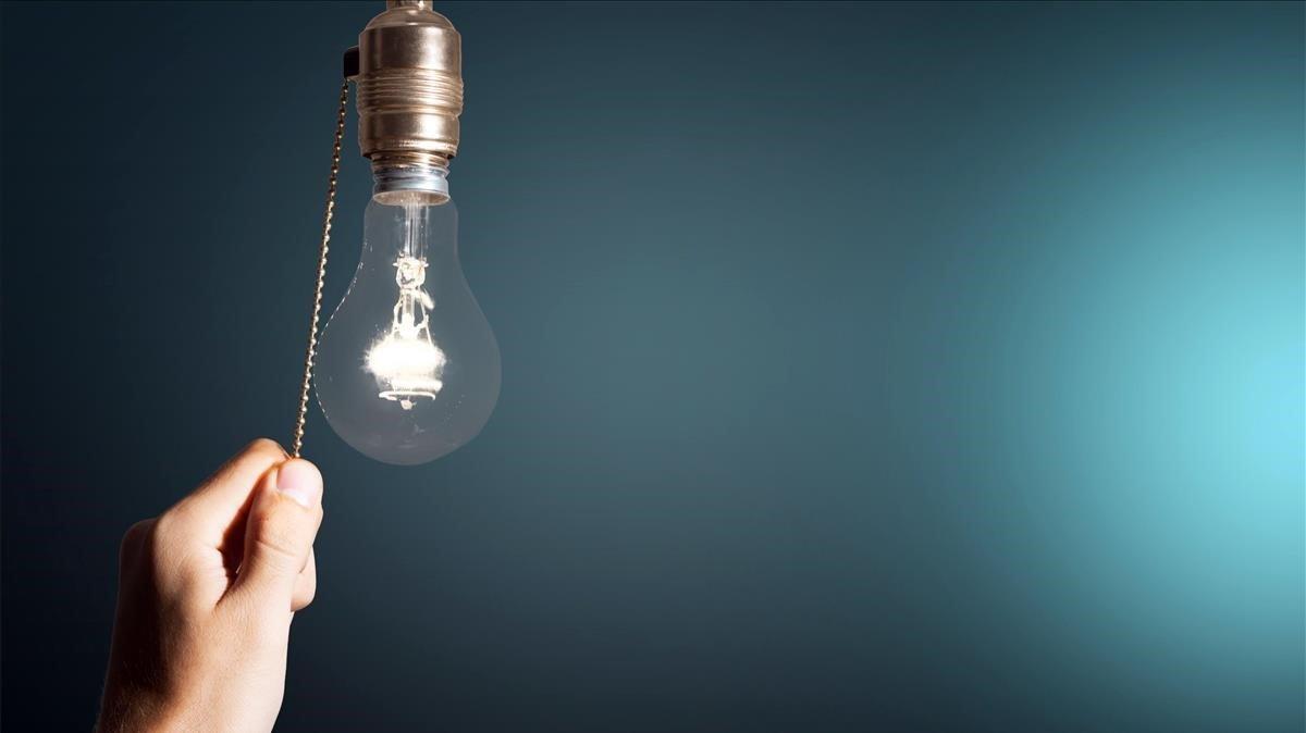El ahorro eléctrico empieza con el consumo de lo más básico.