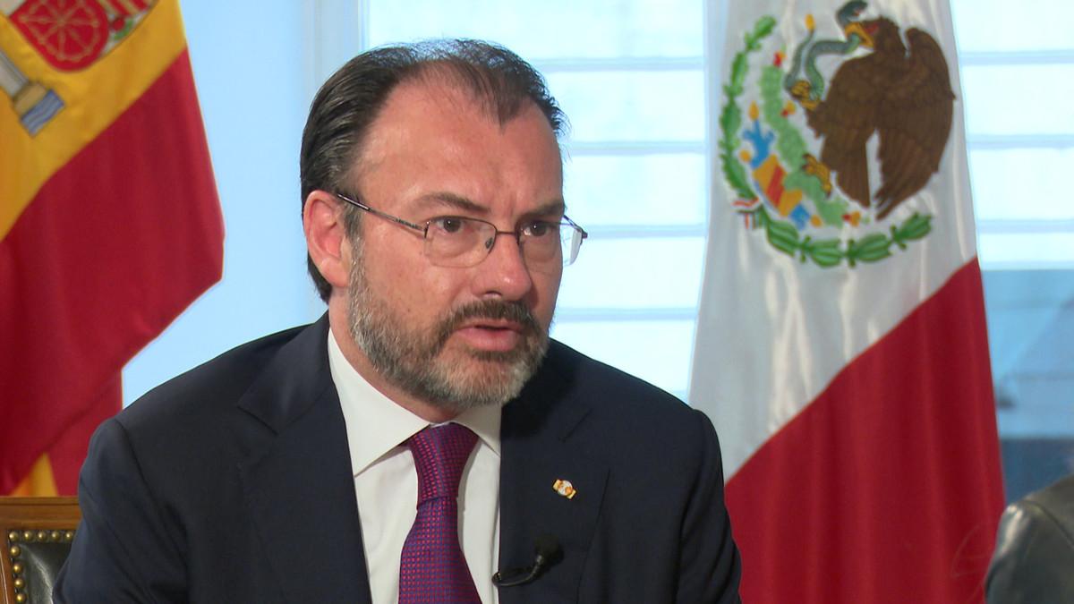 El ministro de Exteriores de México, Luis Videgaray, durante su entrevista con Ana Pastor para El Objetivo.
