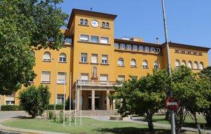 Imagen del edificio histórico del Hospital de Viladecans en julio de 2018