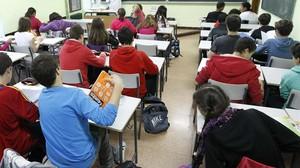 Suspesa una professora d'anglès per burlar-se d'una alumna a Facebook