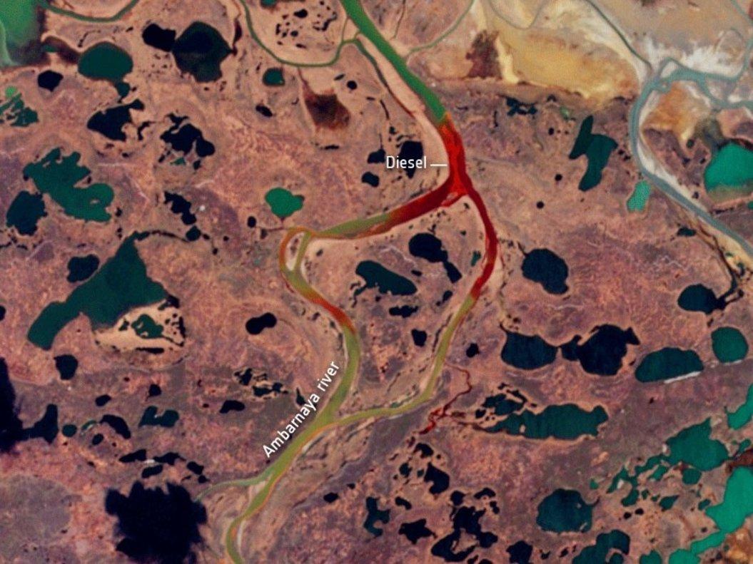Las 20.000 toneladas de combustible vertidas en el círculo polar ártico, vistas por satélite.