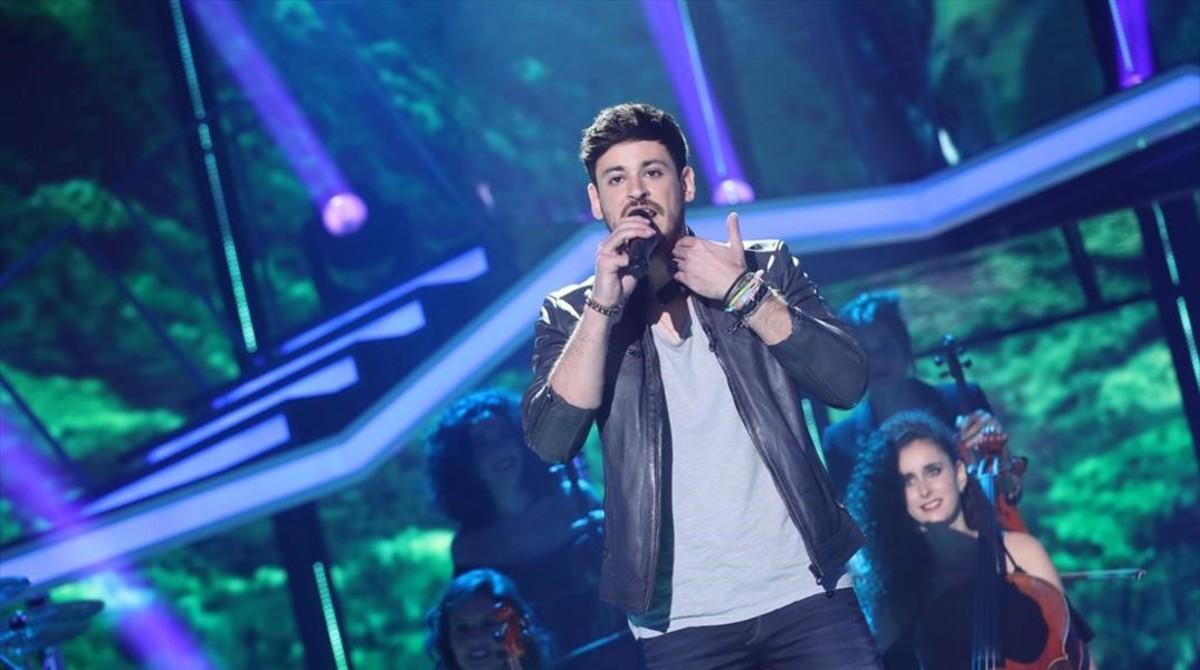 El cantante gallego Luis Cepeda, durante una de sus actuaciones en el concurso OT (TVE-1).