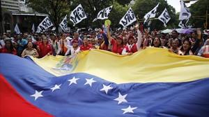 Manifestación de apoyo en Caracas al presidente Nicolás Maduro en la denominada marcha del amor.