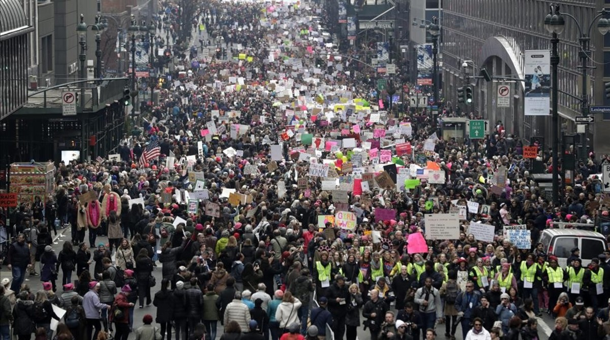 Manifestantes en la calle 42 de Nueva York, este sábado.