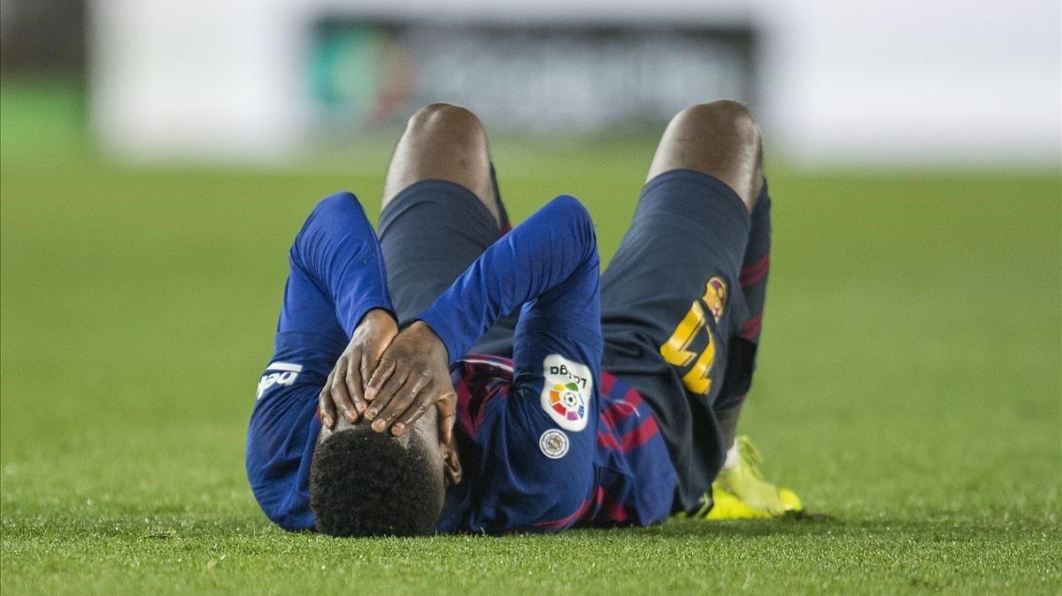 Dembélé se duele del esguince que se hizo en una gran actuación en el Camp Nou.