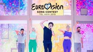 Miki sobre el escenario de Eurovisión 2019.