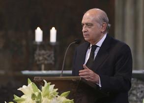 El ministro del Interior español, Jorge Fernandez Díaz, durante el funeral de Estado en memoria de las víctimas de Germanwings celebrado en Colonia.