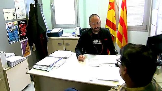 Seis ediles abren el Ayuntamiento de Badalona el 12-O pese al aviso judicial