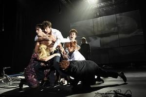Obabakoak 8El montaje que dirige Calixto Bieito, durante una representación en el teatro Arriaga de Bilbao, la pasada semana.