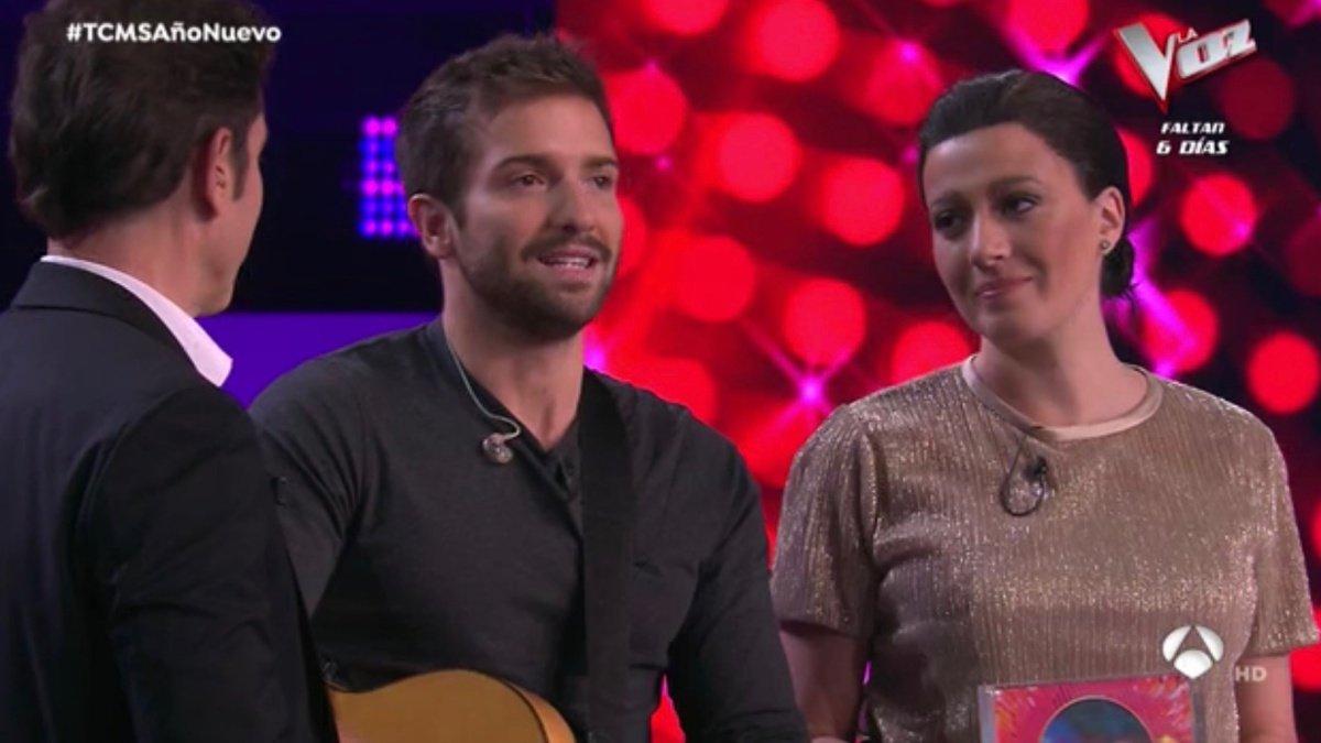 Pablo Alborán y María Villalón en 'Tu cara me suena: Concierto de año nuevo'.