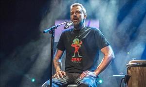 Pau Donés, durante su concierto en la sala Luz de Gas el pasado diciembre.