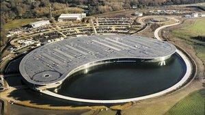 La preciosa sede de McLaren, en Gran Bretaña, donde ya se trabaja contra el coronavirus.
