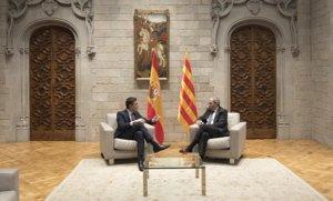 El presidente del Gobierno español, Pedro Sánchez, y el de la Generalitat, Quim Torra, en el Palu, el jueves.