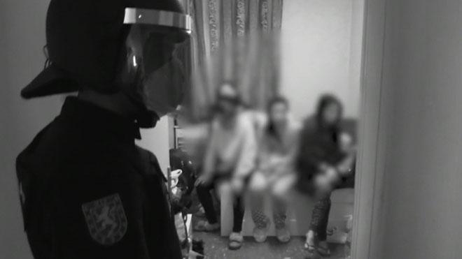 La Policia adverteix el client de prostitució: «Pagues la seva esclavitud»