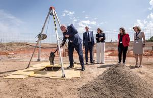 Puesta de la primera piedra de la nueva planta de Boheringer en Sant Cugat.