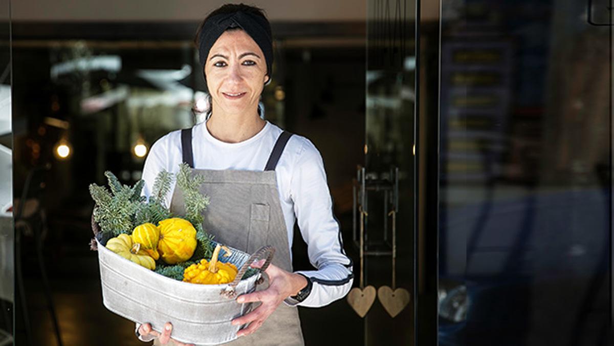 La chef Viky Valls explica cómo hace estos bombones saludables sin azúcar.