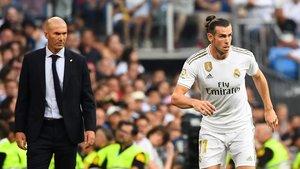 Bale torna i Lucas Vázquez es trenca un dit al caure-li un pes a sobre