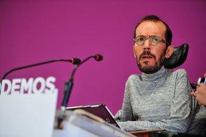 GRAF2152. MADRID, 08/10/2018.- Los portavoces de Podemos Pablo Echenique y Noelia Vera comparecen en rueda de prensa tras el Consejo de Coordinación de la formación. EFE/Diego Pérez Cabeza