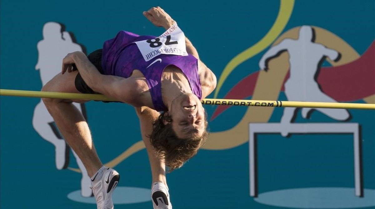 El saltador de altura Ivan Ujov, uno de los afectados, el pasado jueves en un campeonato en Moscú.