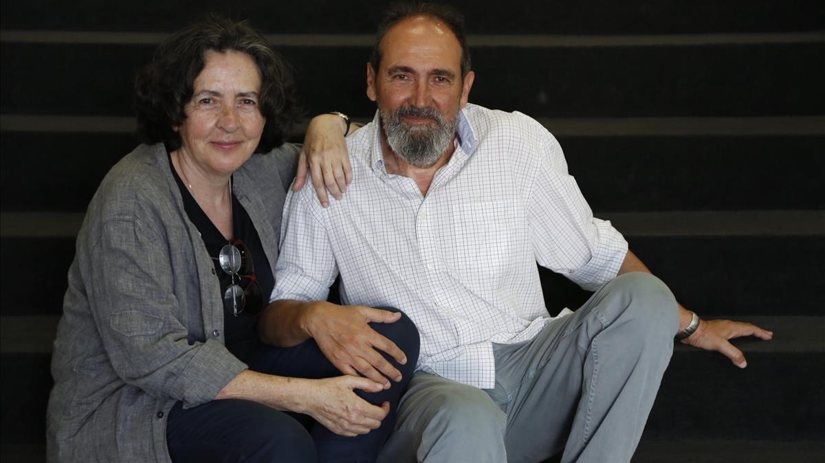 Sento Llobell y su esposa, Elena Uriel; juntos han llevado al cómic la historia del padre de ella durante la guerra civil.