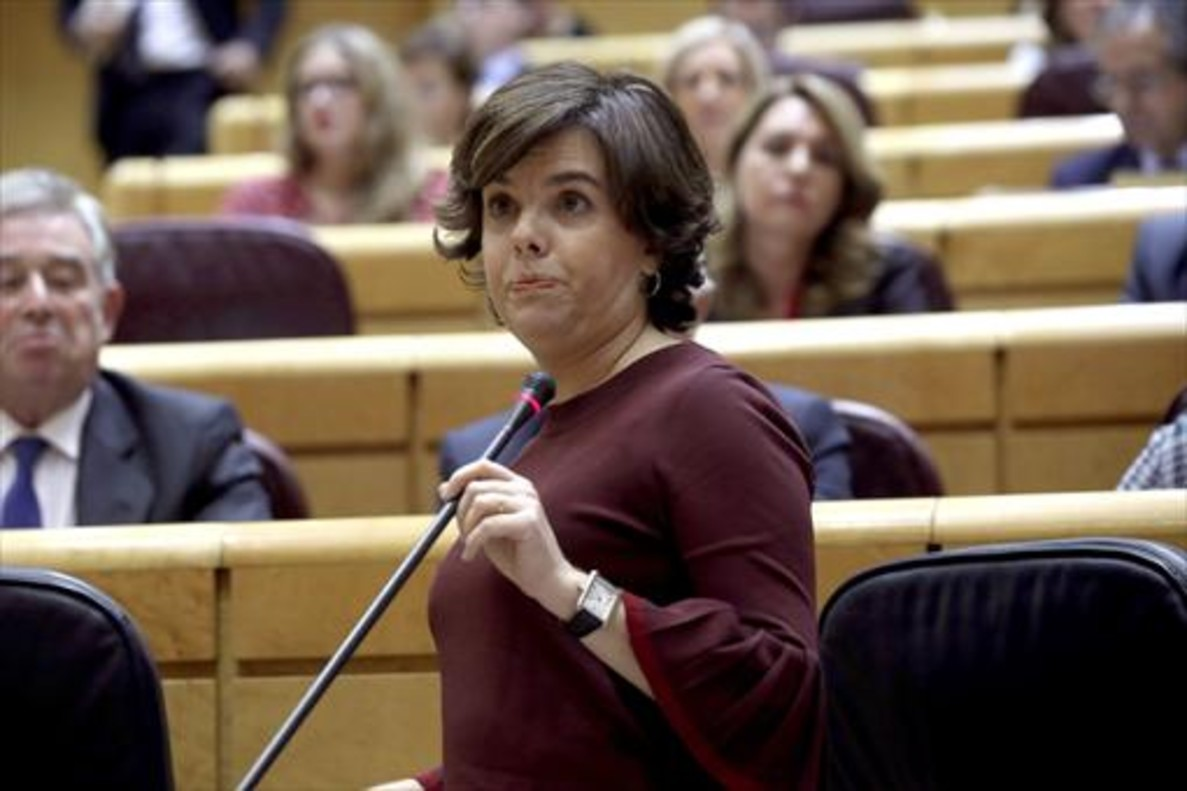 Soraya Sáenz de Santamaría, ayer, en el pleno del Senado.