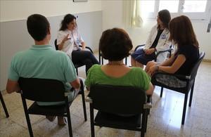 Terapia de salud mental para personas afectadas por la crisis, en el Hospital del Mar.