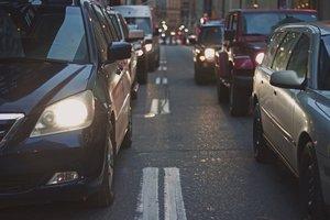 Tráfico de coches.
