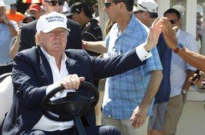Trump desistió de organizar la cumbre en su club tras recibir fuertes críticas.